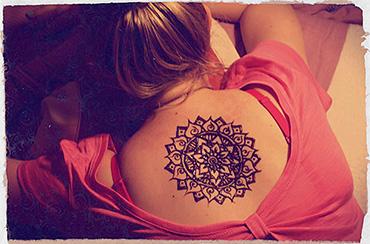 tatuaż henną