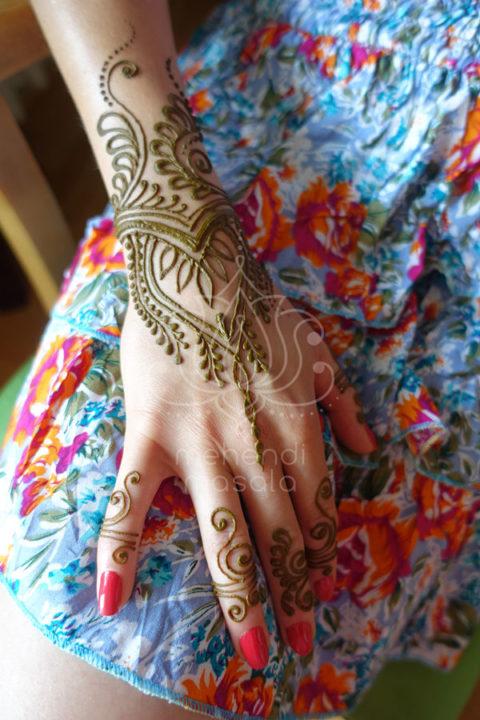 inspiracje-wzory-mehendi-henna-na-ręku