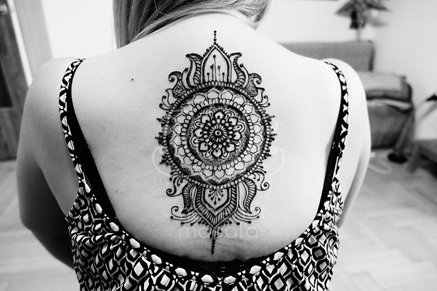 Tatuaż Z Henny Wzory Plecy Mehendi Masala