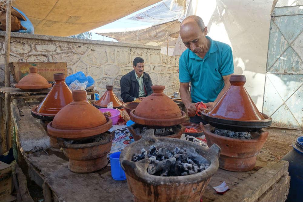 brahim gotuje dla nas na lokalnym bazarku