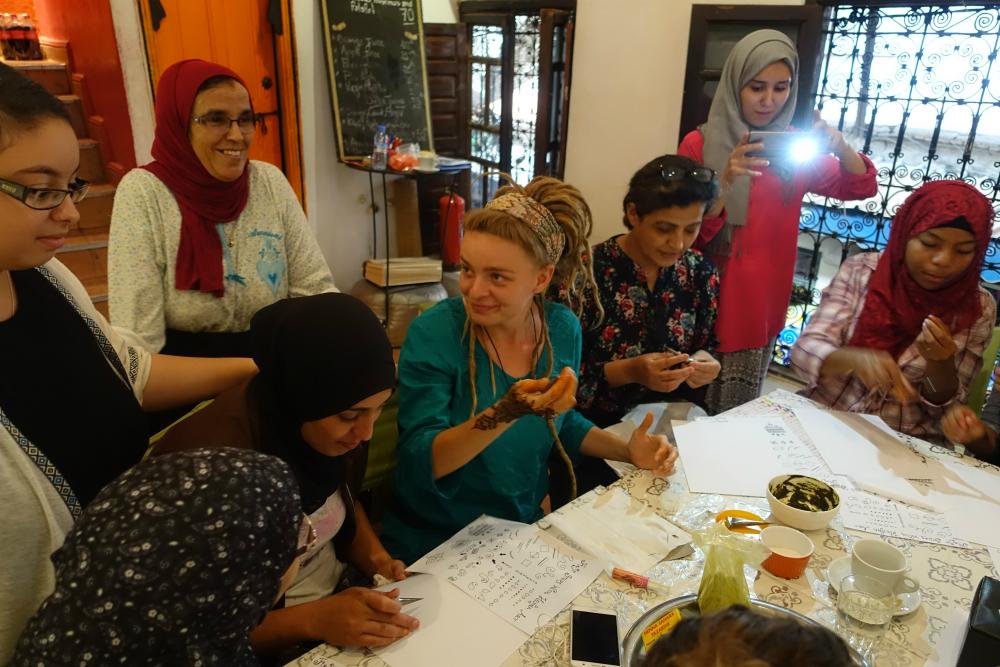 warsztaty malowanai henną w maroko