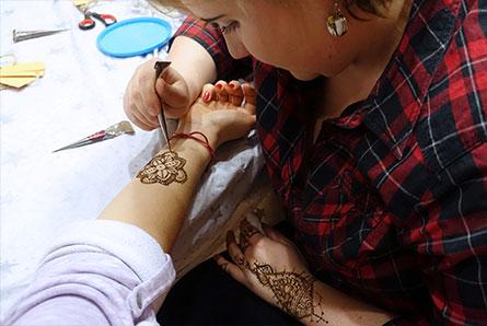 szkolenie z malowania henną