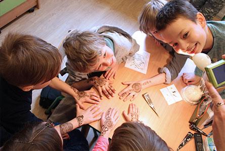 warsztaty malowania henną dla dzieci