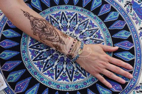 inspiracje henna mały wzór mehendi na dłoni