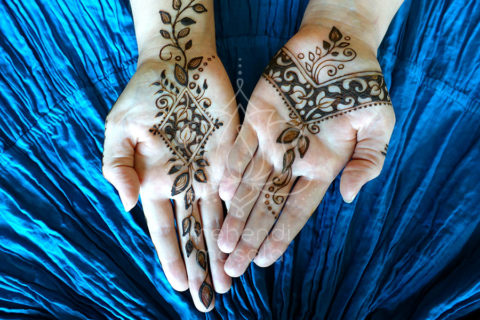 wzór-mehendi-henna-na-wewnetrznej-dloni