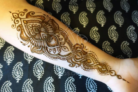 inspiracja henna wzór mehendi na przedramieniu