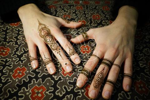 inspiracje henna wzory mehendi na palcach