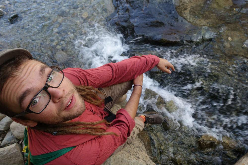 mateusz przy wodospadzie w seti fatma