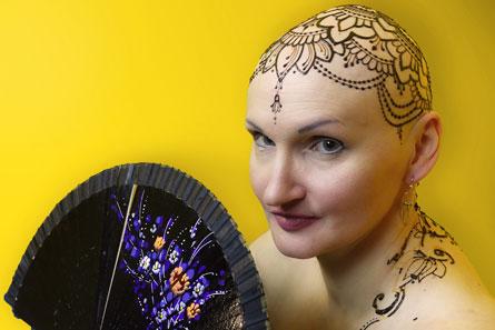 mehend-hennowa-korona-henna-na-glowie