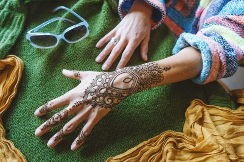 Henna na dłoni