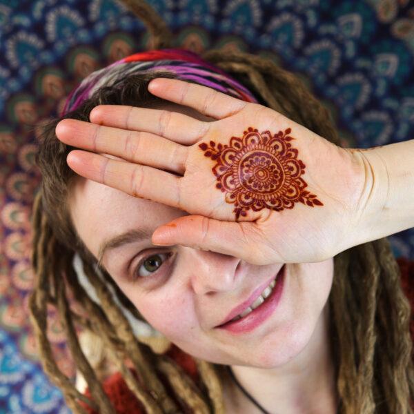 kurs online wstęp do malowania henną
